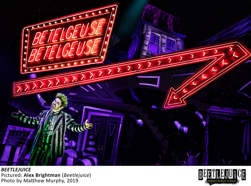 [17020]_ALEX-BRIGHTMAN-in-BEETLEJUICE,-Photo-by-Matthew-Murphy,-2019.jpg