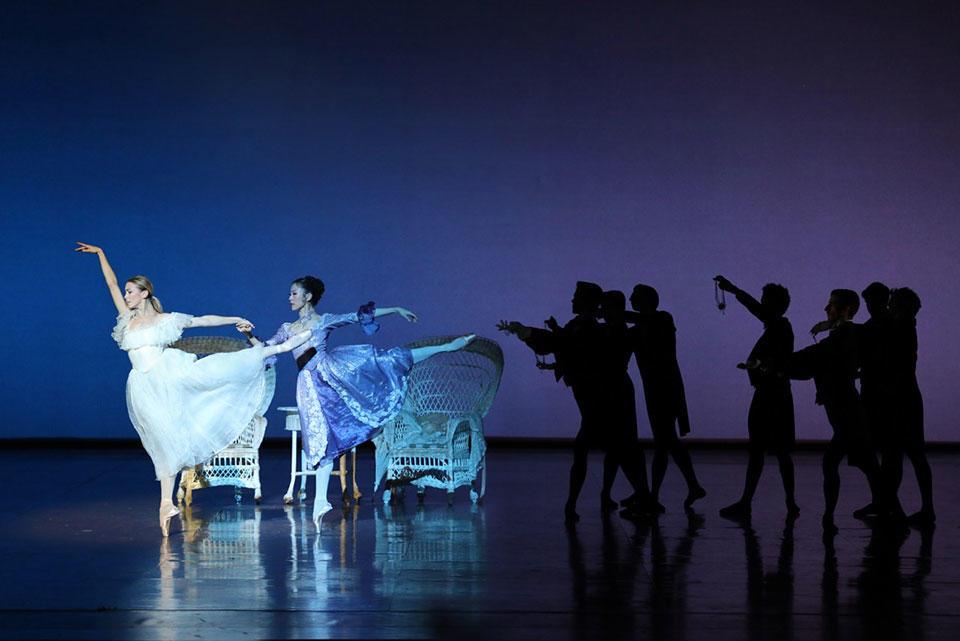 02_Eleonora-Abbagnato-(Marguerite-Gautier)-et-Sae-Eun-Park-(Manon-Lescaut)-201811-DAM-Loboff-0522.jpg