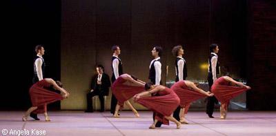 ノイマイヤー振付『いにしえの祭・宴の終り』 ユングと男女群舞
