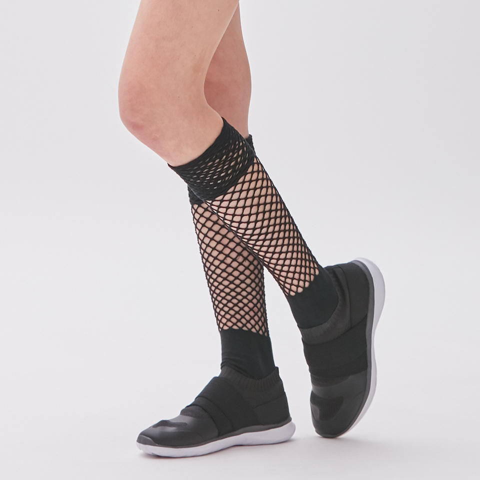 0515_socks_balance_3d.jpg