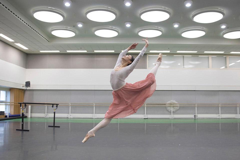 Fumi-Kaneko-in-rehearsal-for-Don-Quixote,-The-Royal-Ballet-©-2019-ROH.-Photograph-by-Andrej-Uspenski.jpg
