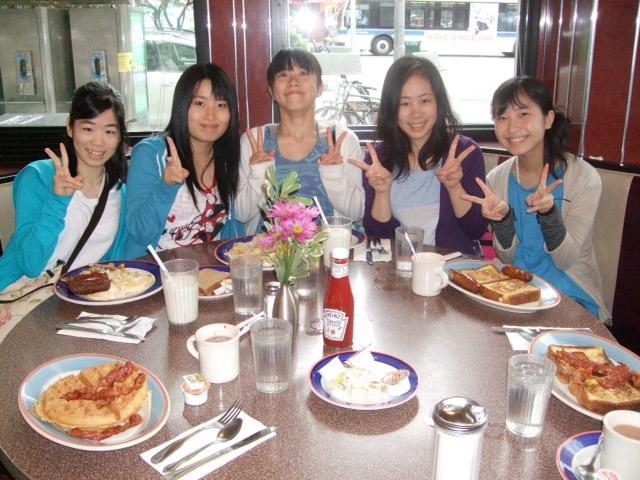 左から喜元和、平田瑞季、加藤文華、古垣未来、松下由季