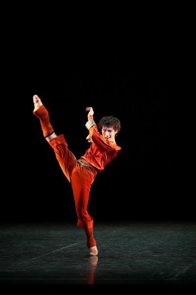 新国立劇場バレエ団 「プッシュ・カムズ・トゥ・ショヴ」福田圭吾 撮影:瀬戸秀美 Push Comes to Shove Choreography by Twayla Tharp (c)Twyla Tharp