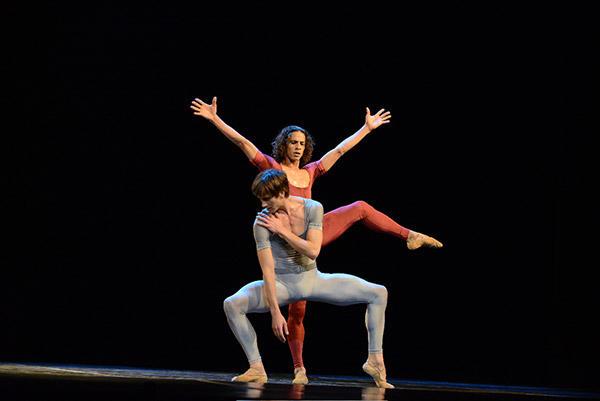 「さすらう若者の歌」 (C)Béjart Ballet Lausanne/GMPress