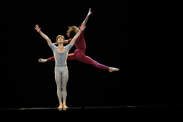 「さすらう若者の歌」 (C)Béjart Ballet Lausanne/Lauren Pasche