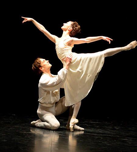 マノン」寝室のパ・ド・ドゥ ©Stuttgart Ballet