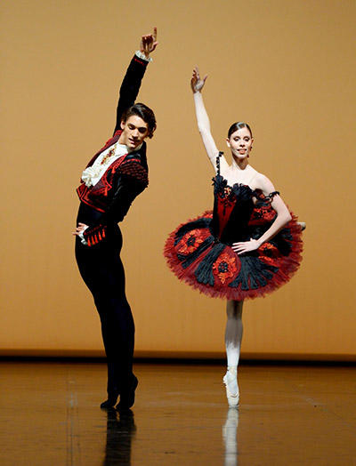 「ドン・キホーテ」パ・ド・ドゥ ©Stuttgart Ballet