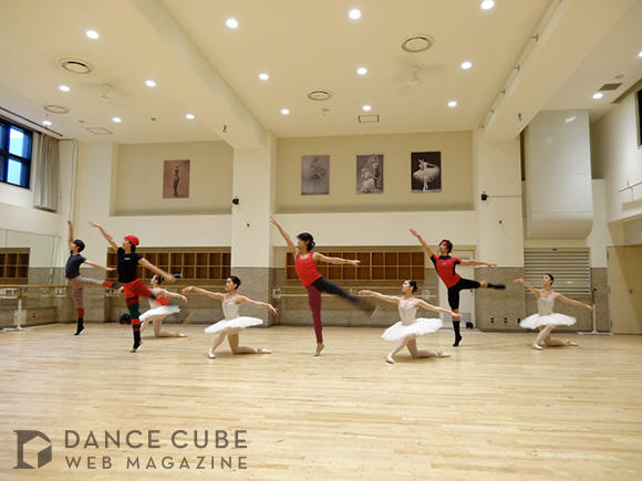 (C) DANCE CUBE by Chacott