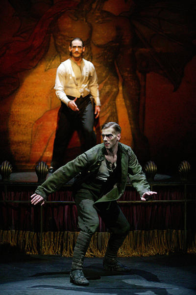 2004年 英国ロイヤルオペラハウス リンバリースタジオ上演時舞台写真