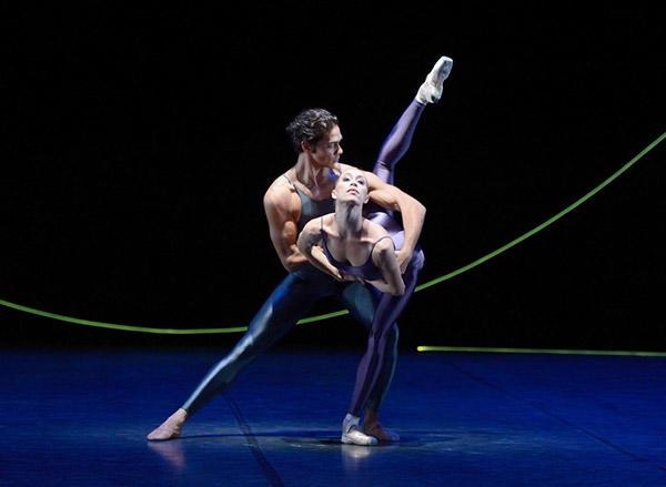 『ヴァリエーション・フォー・ツー・カップル』 photo :  © Stuttgarter Ballett
