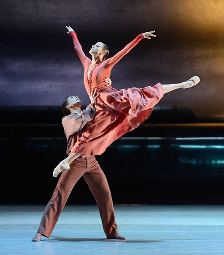 『忘れられた土地』 photo :  © Stuttgarter Ballett