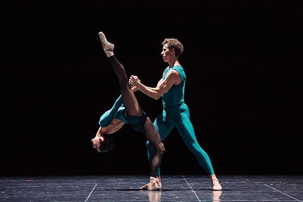 """""""In The Middle"""" Robyn Hendricks & Kevin Jackson Photo by Daniel Boud"""
