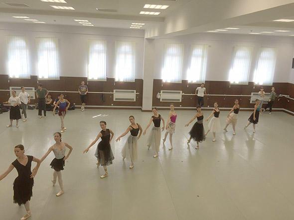 グルジア国立バレエ団リハーサル