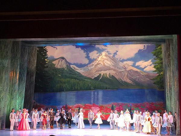 キエフ国立バレエ団「雪の女王」