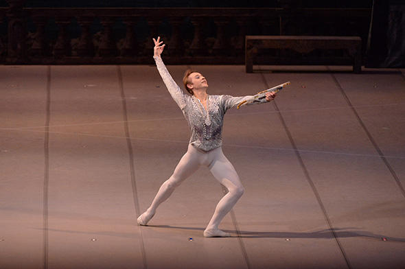 『新・白鳥の湖』王子ジークフリード:ワディム・ソロマハ