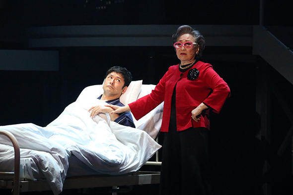 ニューヨークでドラマターグを学び、ミュージカル・プロデューサーとして活躍する小嶋麻倫子に聞く