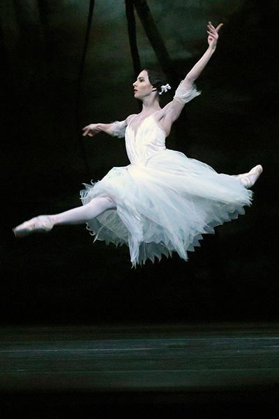 フランチェスカ・ヘイワード (C) Angela Kase