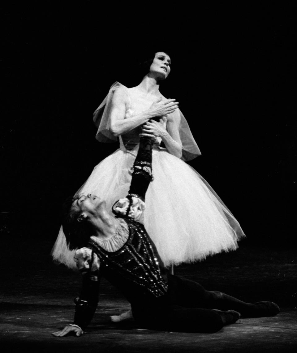 1983 Giselle con Gheorghe Iancu 109554LMN ph Lelli_Masotti.jpeg