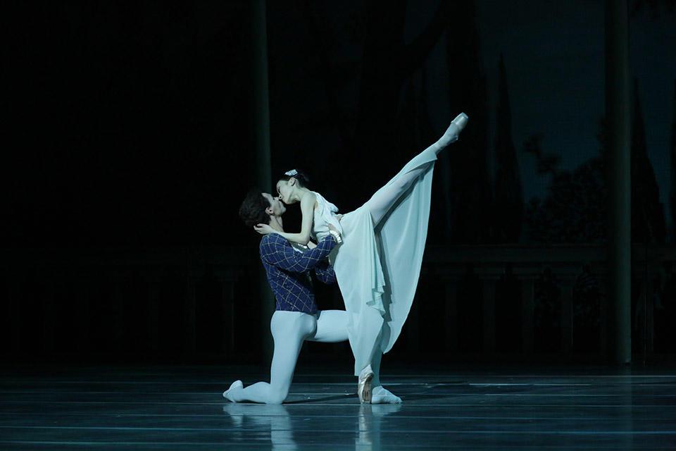 Romeo-and-Juliet-by-Natasha-Razina-©-State-Academic-Mariinsky-Theatre-(3).jpg