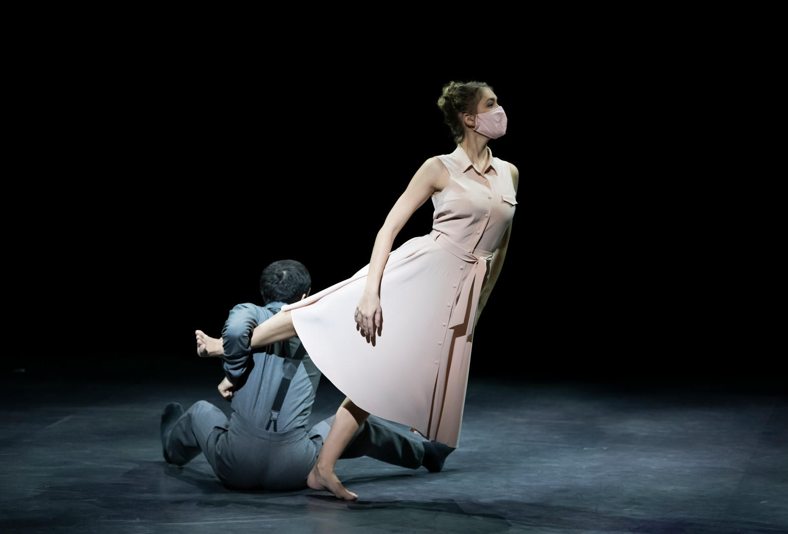 1ulien_Benhamou___Opera_national_de_Paris-CLOUDS-INSIDE--Tess-Voelker--Marion-Gautier-de-Charnace--Antonin-Monie--c--Julien-Benhamou-OnP--DSC_5040---1600px.JPG