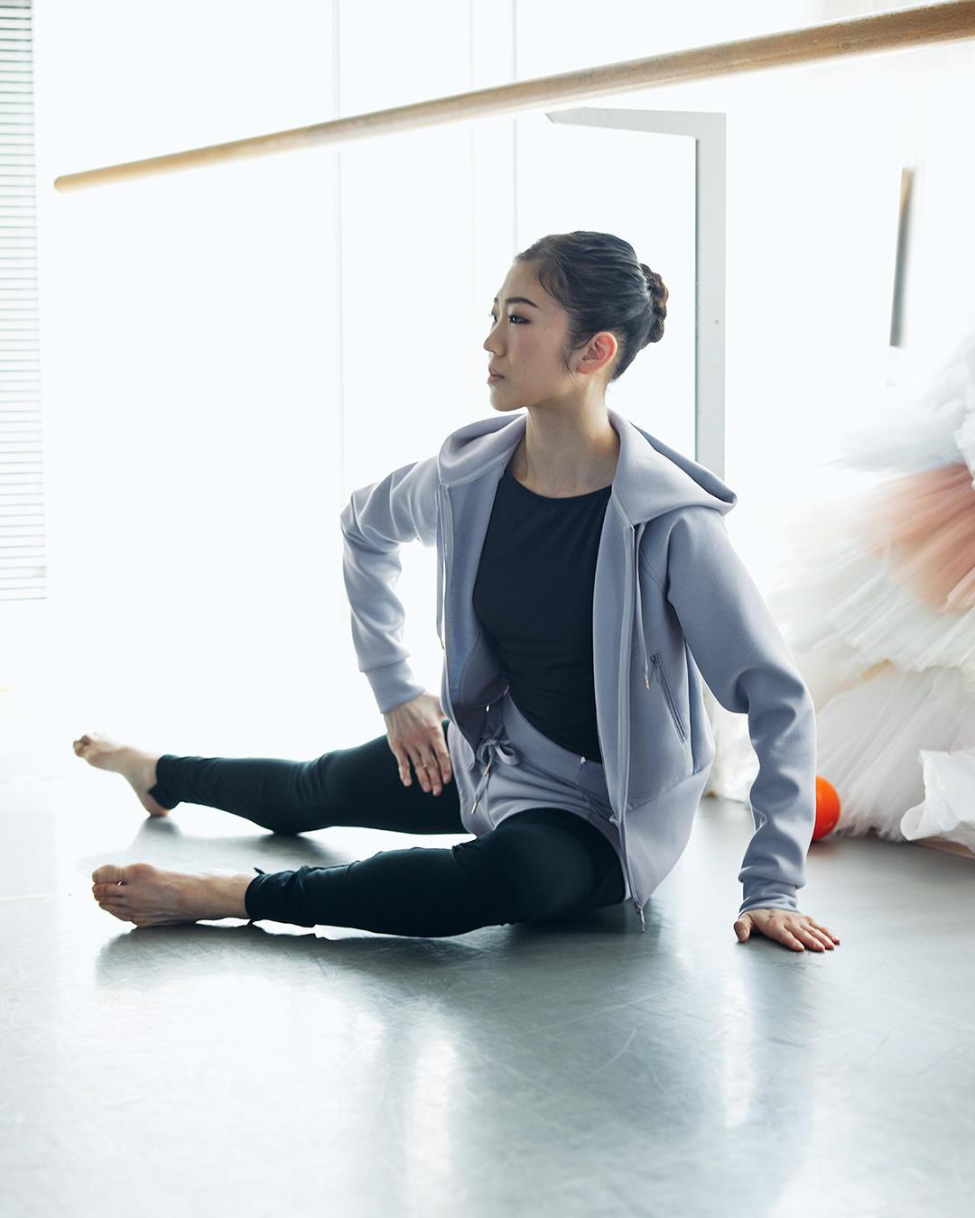 210331_ballet_warmup_12.jpg