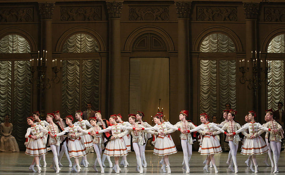10_Graduation-Perf.-of-the-Vaganova-Academy-by-Natasha-Razina-©-State-Academic-Mariinsky-Theatre-(4).jpg