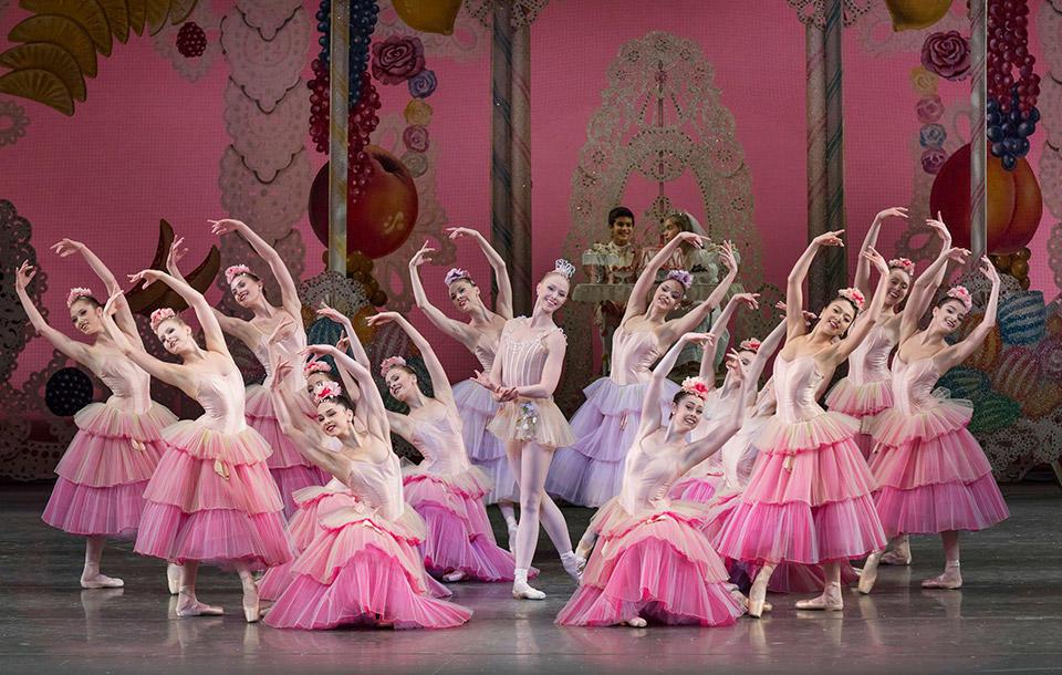 Teresa-Reichlen-as-Dewdrop-in-Geor-ge-Balanchine's...it-Paul-Kolnik.jpg