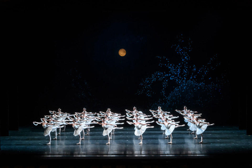 La-Bayadère.-Artists-of-The-Royal-Ballet.-©ROH,-2018.-Photographed-by-Bill-Cooper.-(5).jpg