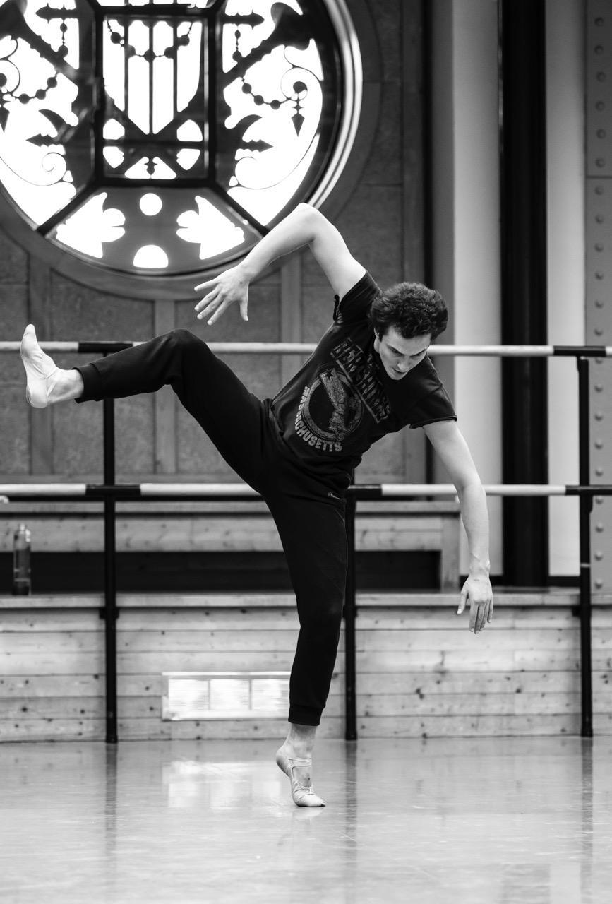 『ノートルダム・ド・パリ』リハーサル写真 photo Julien Benhamou/ Opéra national de Paris