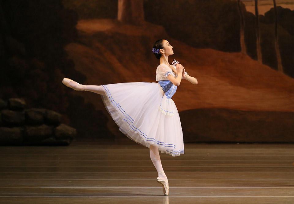Giselle-by-Natasha-Razina-©-State-Academic-Mariinsky-Theatre-(3).jpg