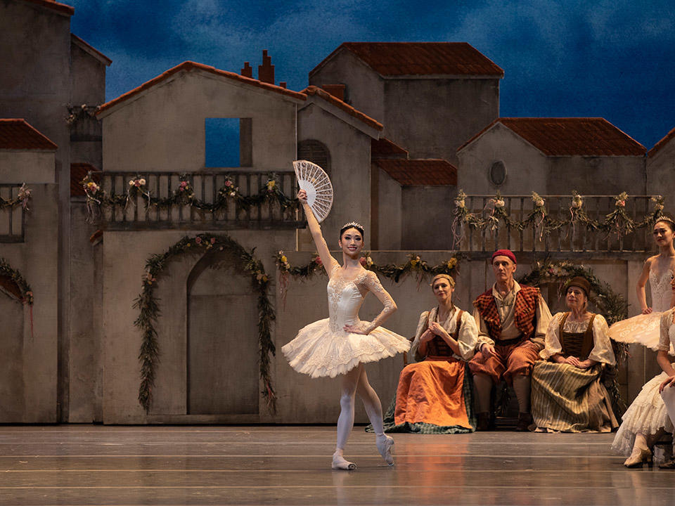 Akane-Takada-in-The-Royal-Ballet's-Don-Quixote-(c)-ROH-2019.-Photo-by-Andrei-Upenski-(2).jpg
