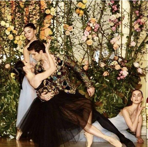 Dolce e Gabbana _Beatrice avec Robert Bolle_photo by Marco Brescia.JPG