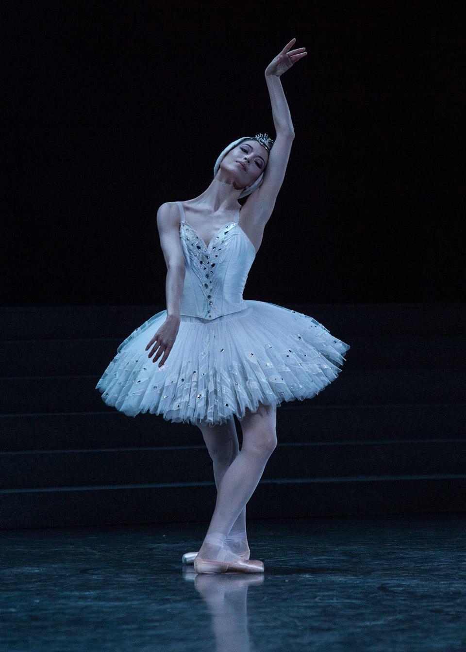 Hannah-O'Neill--Le-Lac-des-Cygnes---Photo-Ann-Ray-ONP.jpg