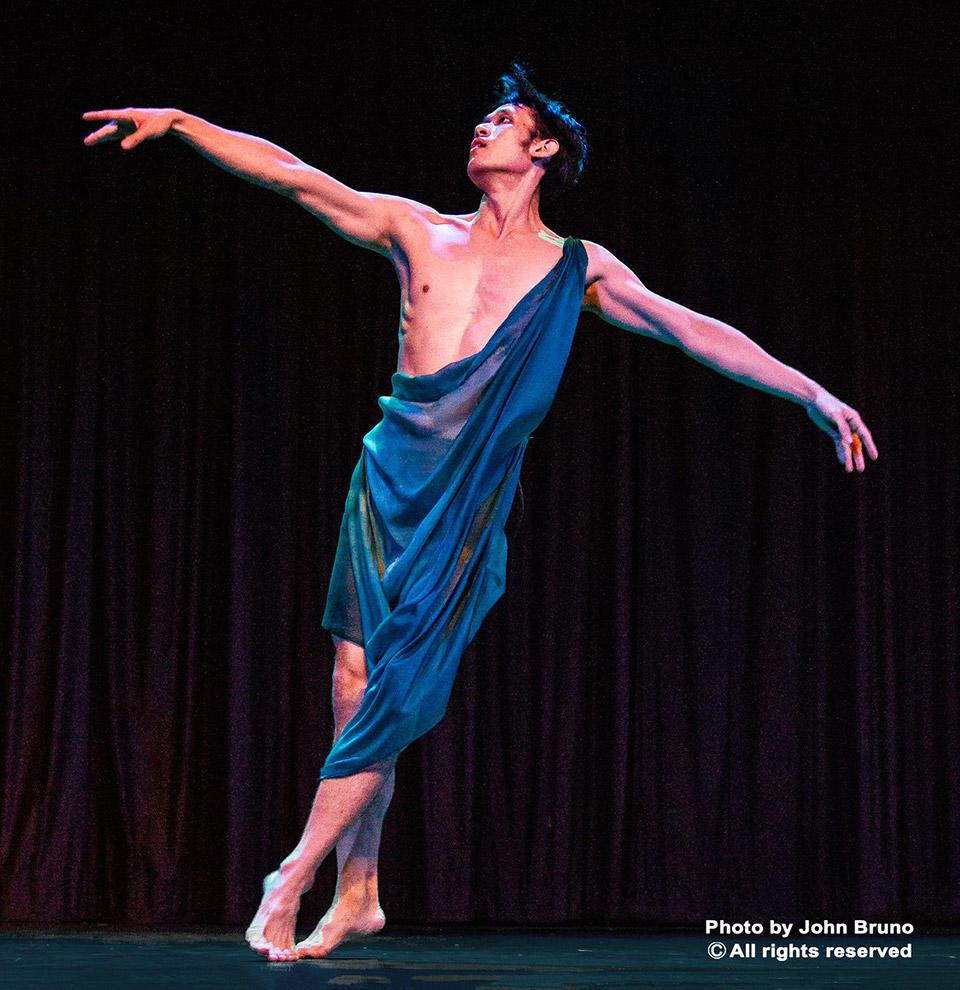 I-Nam-Jiemvitayanukoon-in-Narcissus-choreographed-by-IsadraDunkan_Photo-by-John-Bruno.jpg