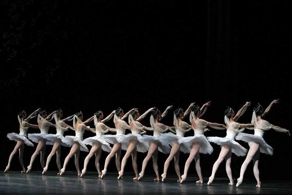 LA-BAYADERE---repertorio--vers-Makarova---ph-Marco-Brescia-Teatro-alla-Scala-(1)---Copia.jpg
