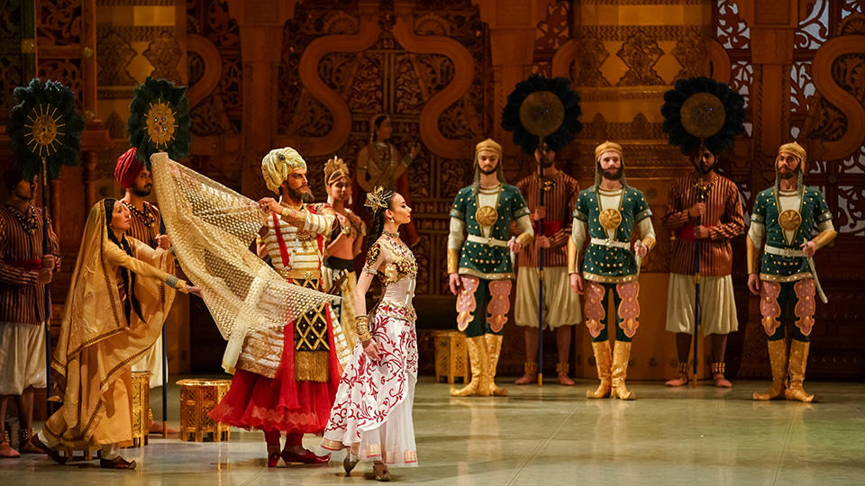 LA-BAYADERE__photo_by_Anton_Zavialov.jpg