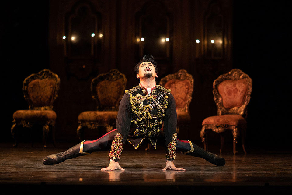 Mayerling.-Ryoichi-Hirano-as-Rudolf.-(c)-ROH,-2018.-Photographed-by-Helen-Maybanks.jpg