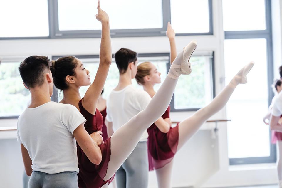 OPB-Ecole-de-Danse-3-c-Agathe-Poupeney.jpg