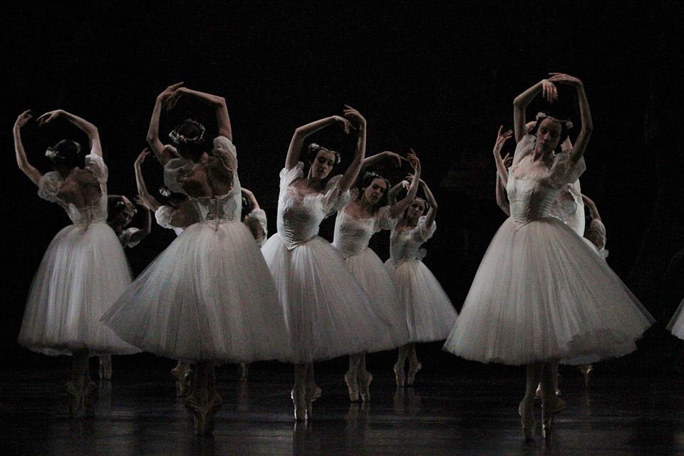 OPB-Giselle-1-c-Svetlana-Loboff.jpg