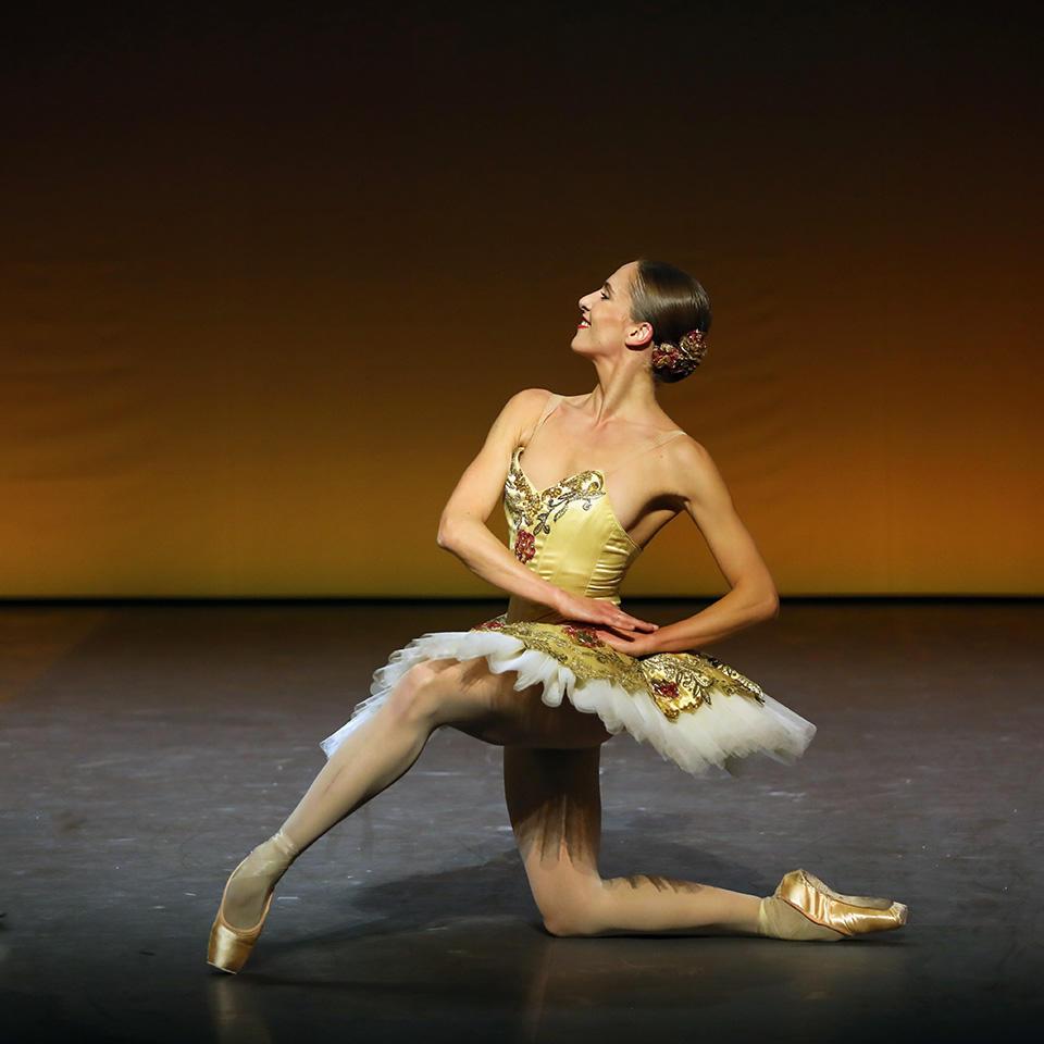 OPB-Noureev--Don-Quichott---Colasante--c-Svetlana-Loboff-.jpg