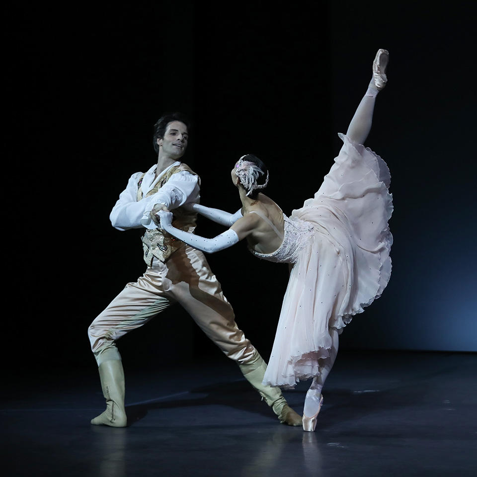 OPB-Noureev-c-Svetlana-Loboff-Cendrillon--Alice-Renavand--Florian-Magnenet.jpg