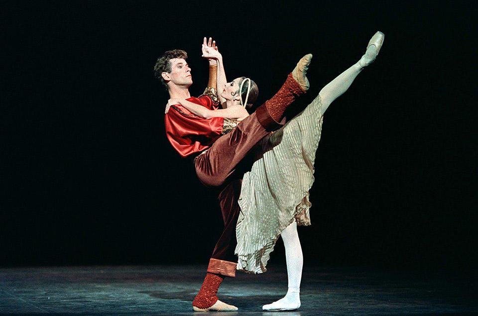 OPB-Patrick-Dupond-c--Jacques-Moatti-Carole-Arbo-Push-comes-to-shove-(Twyla-Tharp).jpg
