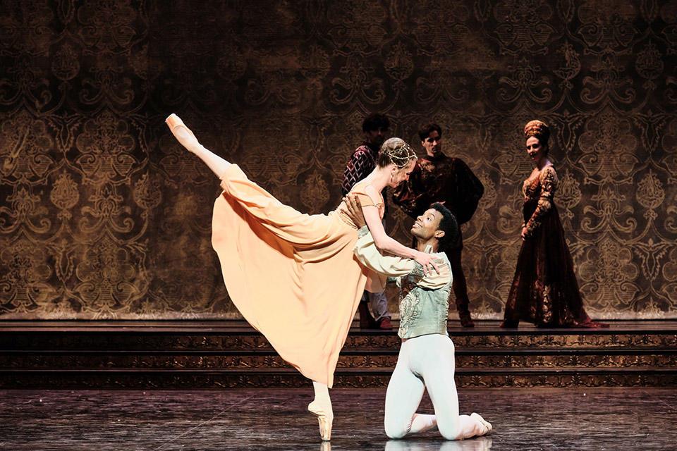 OPB-Romeo-et-Juliette-10-Colassante-Gouneo--C-Agathe-Poupeney.jpg