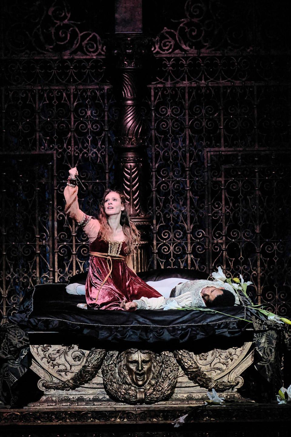 OPB-Romeo-et-Juliette-11-Colassante-Gouneo--C-Agathe-Poupeney.jpg
