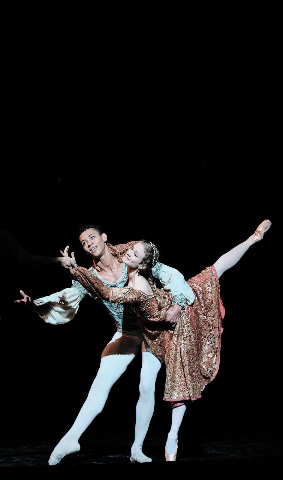 OPB-Romeo-et-Juliette-5-Diop-Baulac--C-Agathe-Poupeney.jpg