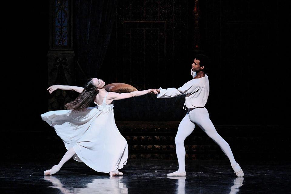 OPB-Romeo-et-Juliette-9-Colasant-Gouneo--C-Agathe-Poupeney.jpg
