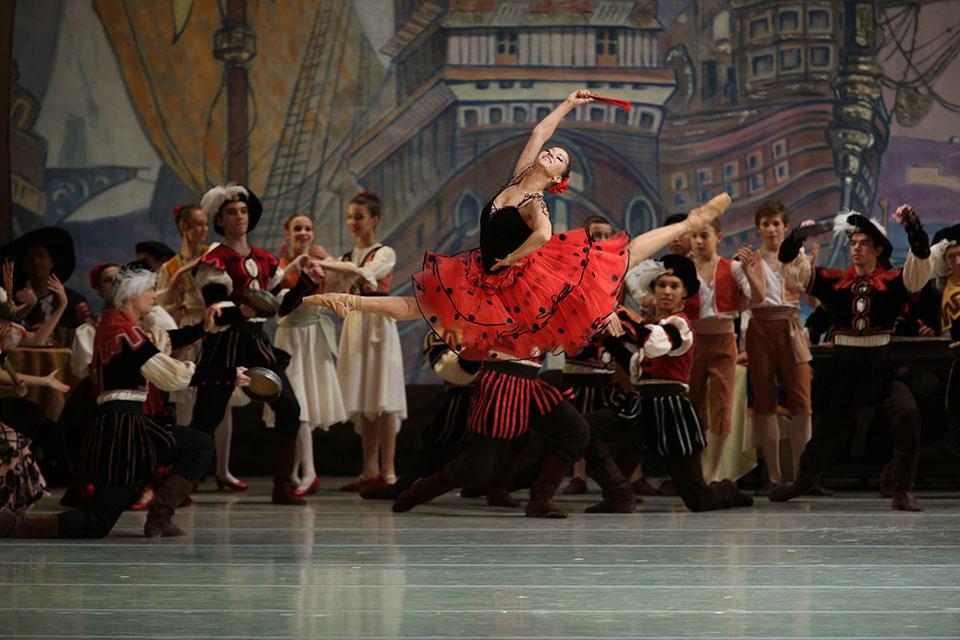 Renata-Shakirova(1)-Don-Quixote-by-Natasha-Razina-.jpg