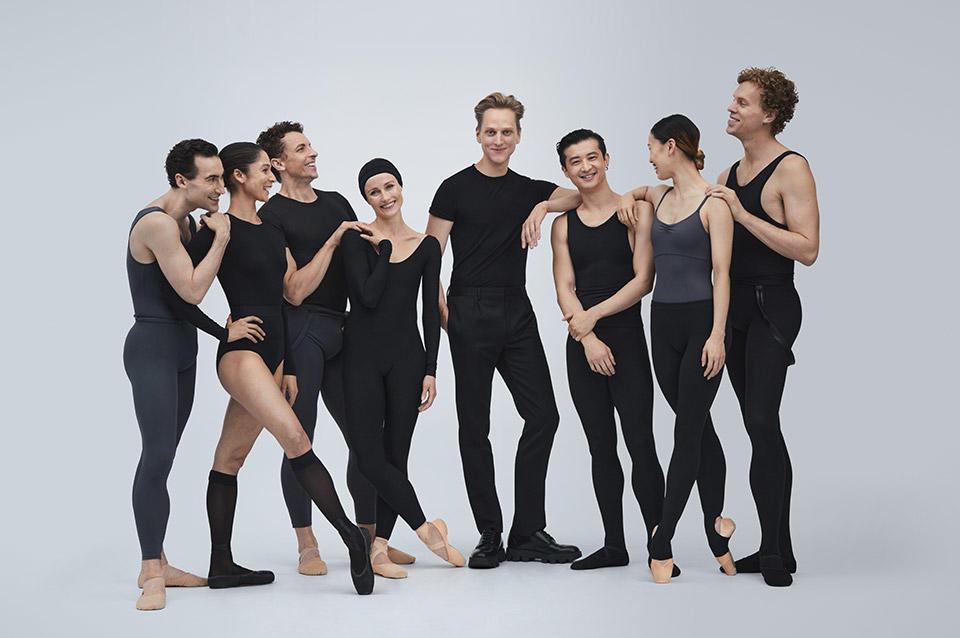 TAB_David-Hallberg-with-Principal-Dancers-of--The-Australian-Ballet_photo-Pierre-Toussaint.jpg