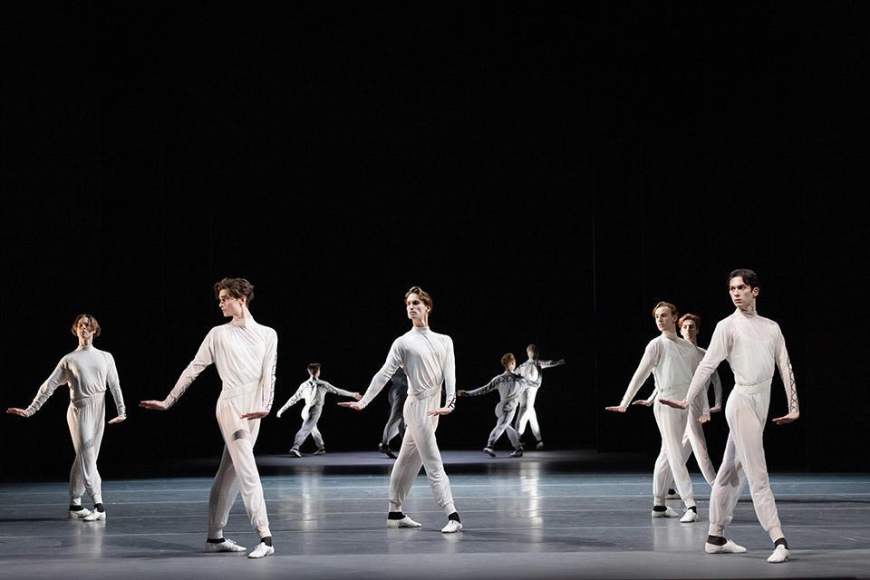 TAB_New-York-Dialects_Watermark_Dancers-of-The-Australian-Ballet_photo-credit_Daniel-Boud1.jpg