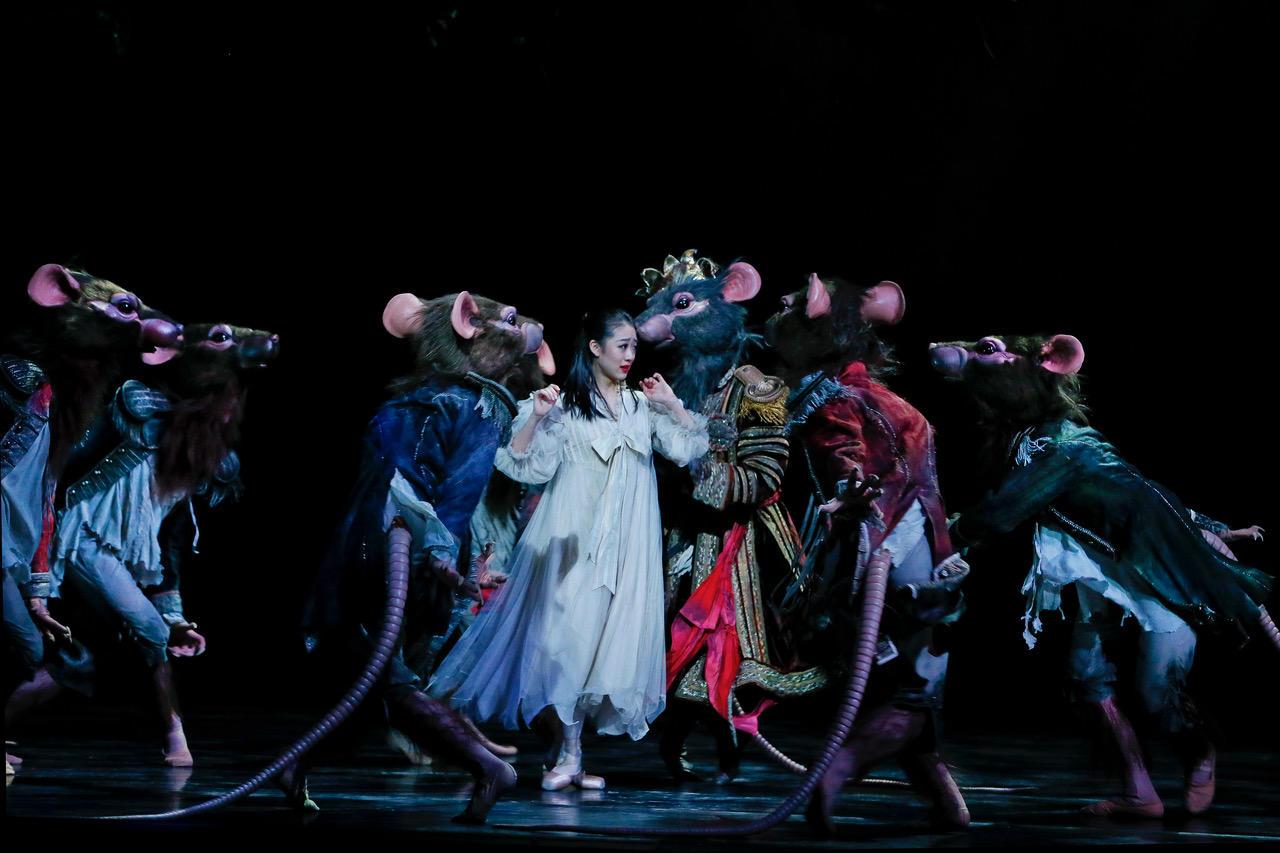 TAB_The Nutcracker_Dances of The Australian Ballet_photo Jeff Busby.jpeg